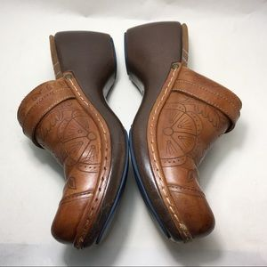 Women's brown leather mules clogs 6M